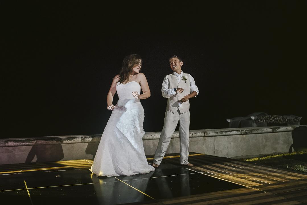 best documentary wedding photographer in mazatlan fotografia documental de bodas