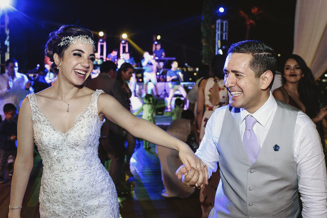 best documentary wedding photographer in mazatlan fotografia documental de bodas fotografo en mexico wedding destination photographer guadalajara chihuahua cabo san lucas playa del carmen punta de mita san miguel de allende